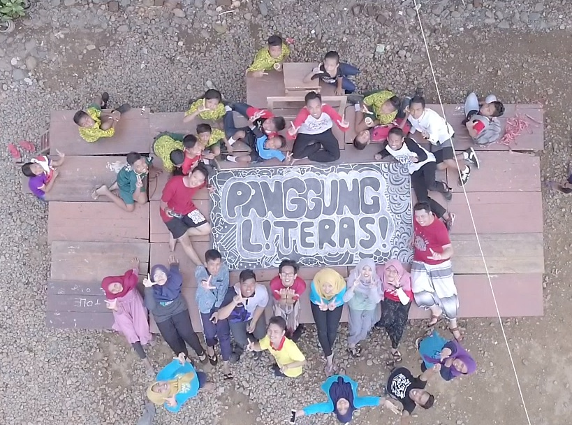 Peringati Hari Pahlawan, Puluhan Relawan Sambangi SD Di Pelosok Yang Belum Punya Perpustakaan