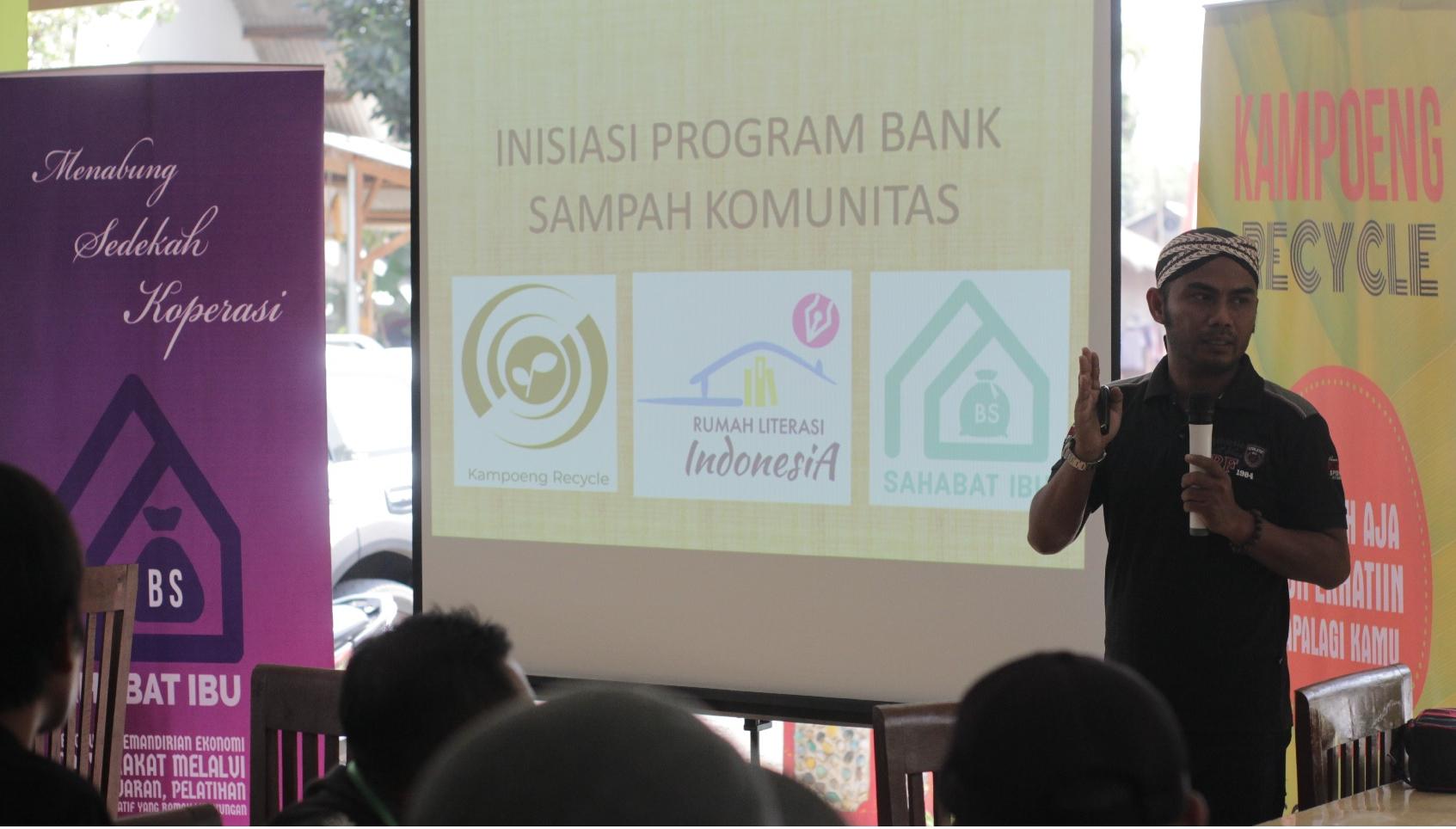10 Desa Di Jawa Timur Gagas Bank Sampah Terintegrasi Ala Kampoeng Recycle